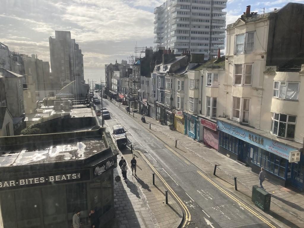 Regency Square, Brighton image.